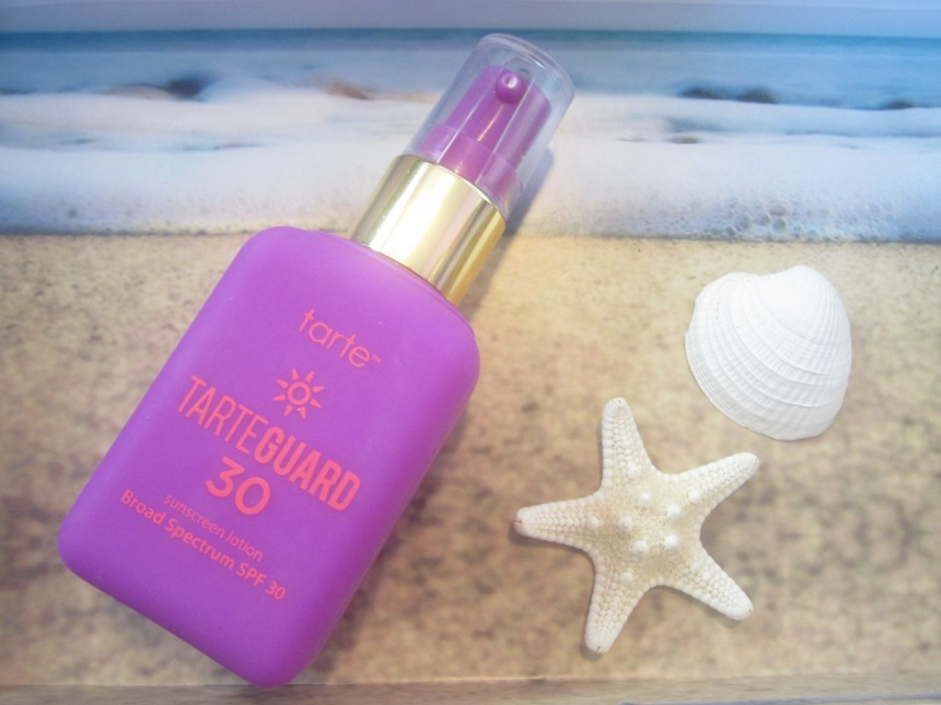 TarteTarteGuard30SunscreenLotionBroadSpectrumSPF30ReviewBeach.jpg