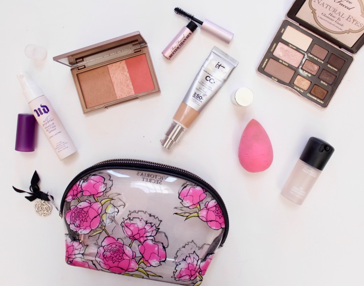 Top 7 Travel-Friendly Makeup Essentials to Pack this Summer