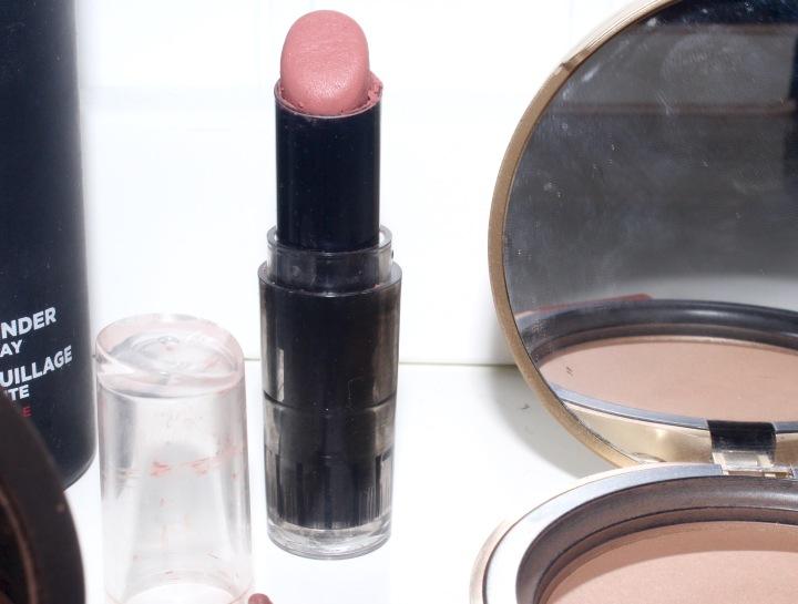 MakeupProductsIWearForPhotosWetNWildBareItAll.jpg